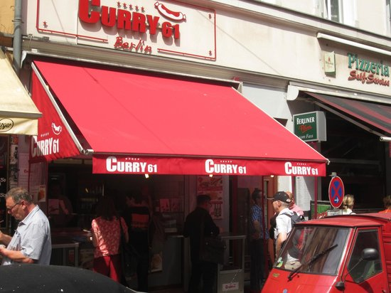 Berlin Food Tour: Currywurst