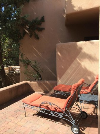 Adobe Village Inn: Purple Lizard Suite patio