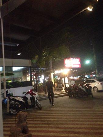 Patong Paradee Resort: Ресторан