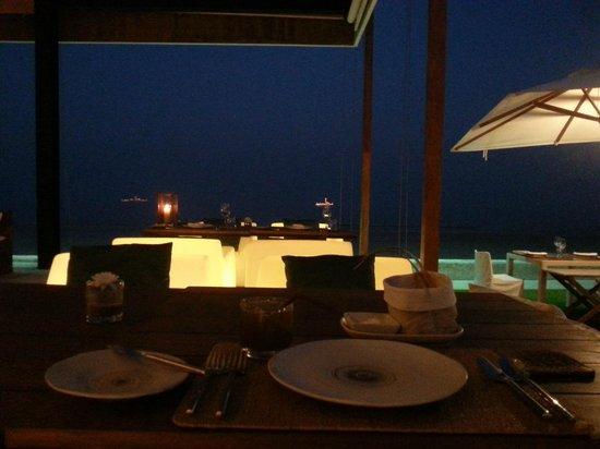 Putahracsa Hua Hin : beachfront restaurant