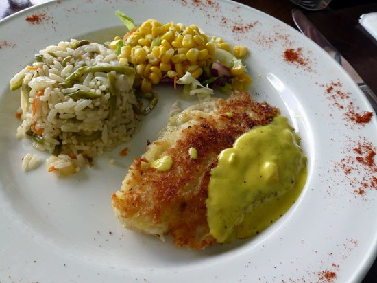 COCOS Hotel Antigua: Coconut-crusted tilapia