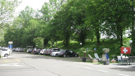 Hilton Zürich Airport: Car Park