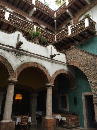 Hotel Los Arcos: Внутренний двор