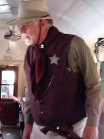 Grand Canyon Railway: The Sheriff was looking for the train robbers