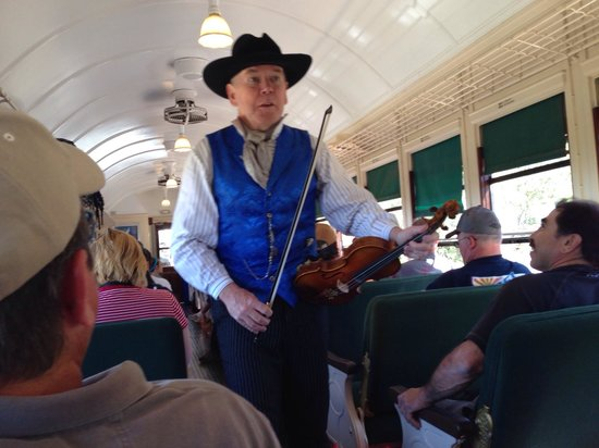 Grand Canyon Railway: Entertainment while on the train
