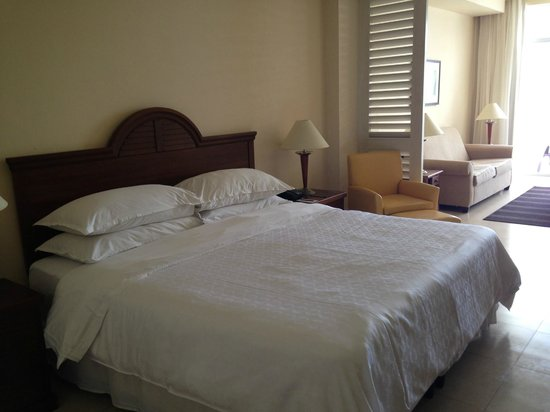 Sheraton Bijao Beach Resort - An All Inclusive Resort: Beachside Suite