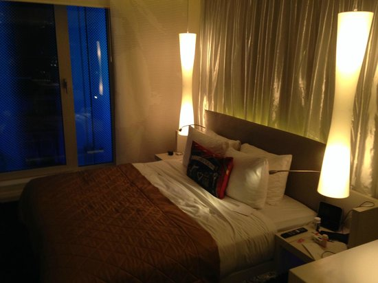 W London Leicester Square : Room