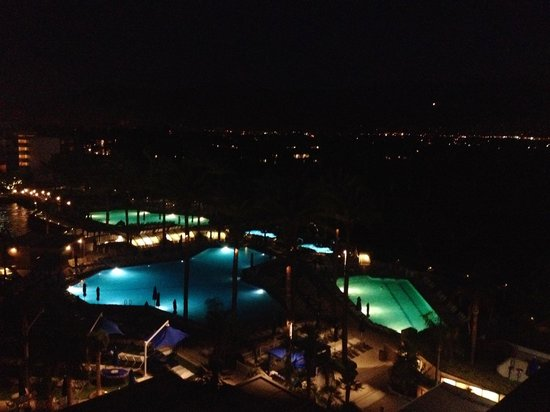 JW Marriott Desert Springs Resort & Spa: Evening view from the room