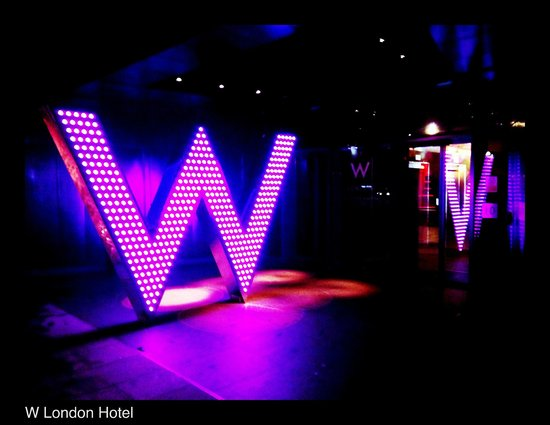 W London Leicester Square : Entry on ground level