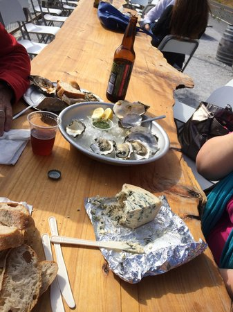The Marshall Store: Raw oysters, Point Reyes Farmstead blue-cheese and a Moylans bomber.