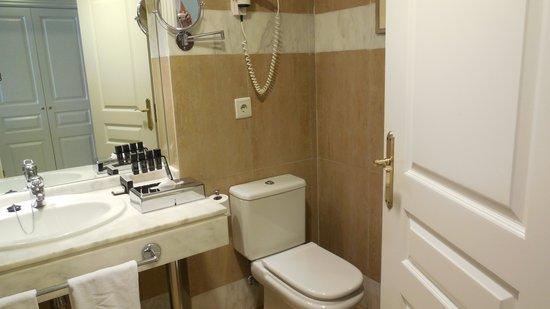 Melia Marbella Banus: Bathroom view 2