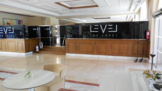 Meliá Marbella Banus: The Level Lounge