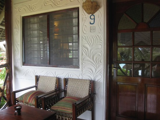 Ras Nungwi Beach Hotel : The front porch of the bungalow