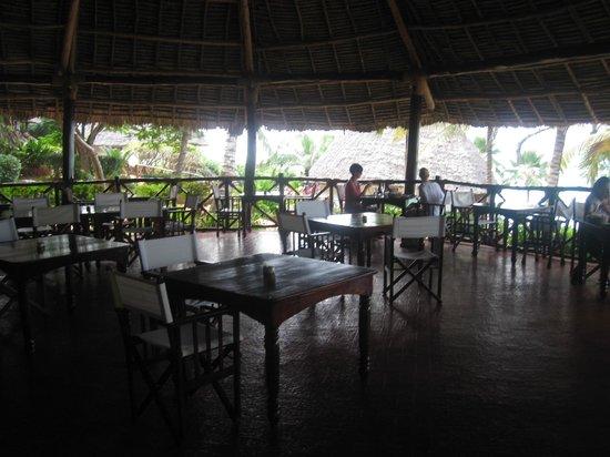 Ras Nungwi Beach Hotel: Dining area