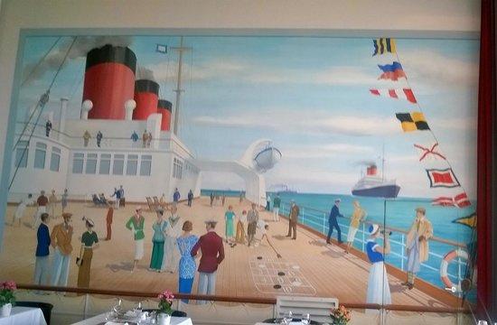 Hotel Helianthal: simpatico mural del comedor