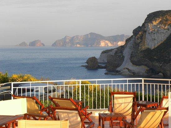 Hotel Chiaia Di Luna : una delle terrazze dell'hotel