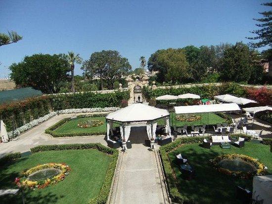 Palazzo Parisio & Gardens: Gardens