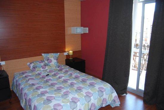 Barcelona Rooms : номер с выходом в двор
