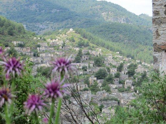 Villa Dimitri: Ghost Town