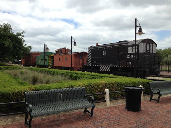 Temple Railroad & Heritage Museum: Old train displayed at Temple Railroad Museum