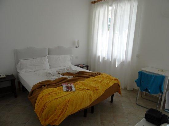 Hotel La Tosca: bedroom