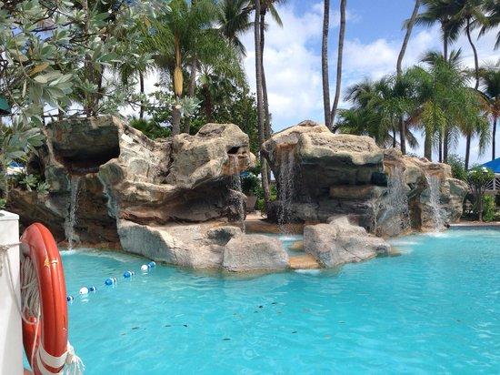 InterContinental San Juan: Waterfall at the pool