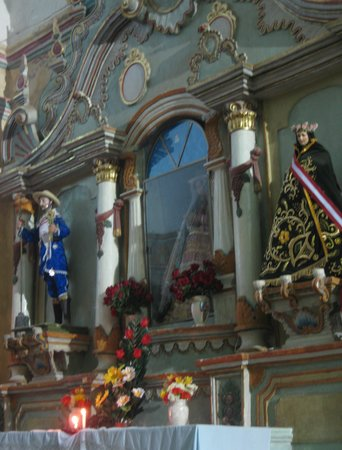 Church of our Lady of the Assumption : sacred dolls in Chivay