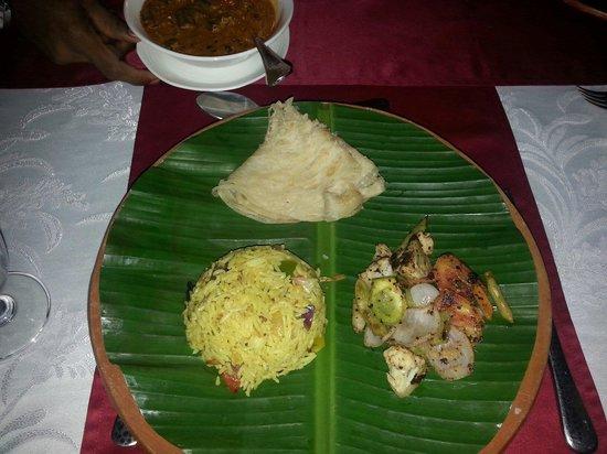 Fragrant Nature Backwater Resort & Ayurveda Spa: Dinner in the kerala style