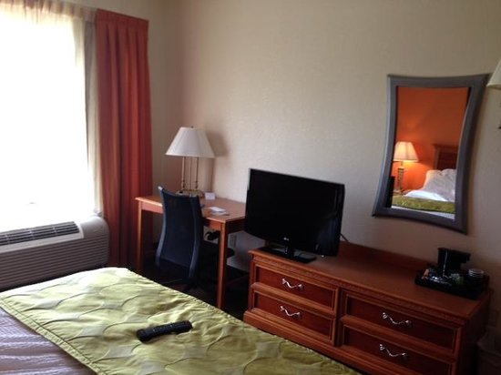 Fairfield Inn & Suites Boone: great room