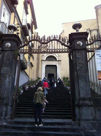 Chiesa di San Domenico Maggiore: San Domenico Maggiore, ingresso dalla piazza omonima