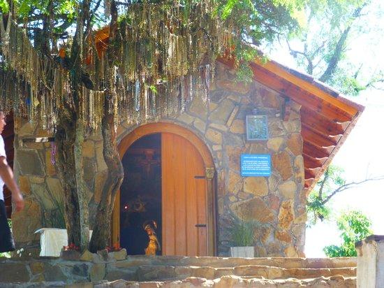 Virgen de los Tres Cerritos: Santuario