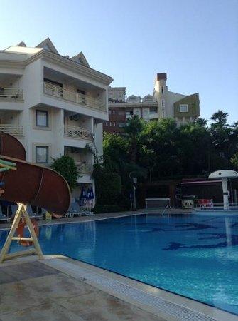 Cettia Apart Hotel: i loved usingthe wifi early around the pool