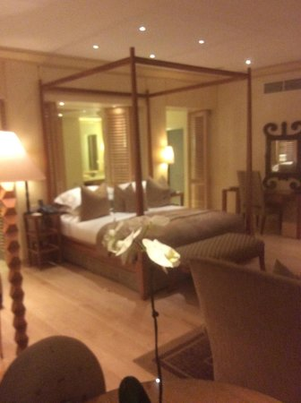 Saxon Hotel, Villas and Spa: Bed