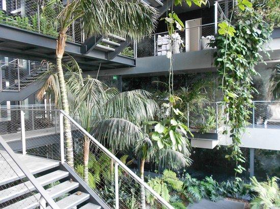 Renaissance Barcelona Fira Hotel: Central atrium