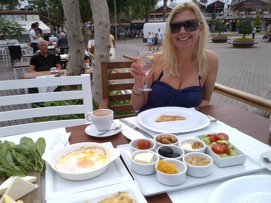 Aphrodite Restaurant: Excellent breakfast!