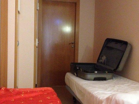 Sensity Hotel Vent de Mar: Cama en el pasillo, (como en los hospitales)