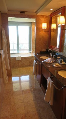 Arion, a Luxury Collection Resort & Spa : Grand Deluxe Bathroom