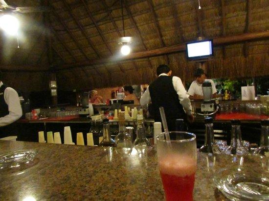 Hotel Riu Lupita: bar