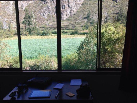 Mama Simona Hostel: La mejor vista para leer y relax, ¡ojalá pudieran oír el río!