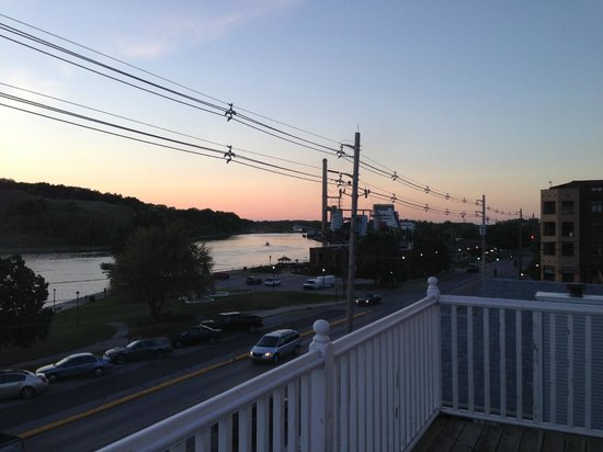 The Harbor House Inn : View from upper porch3