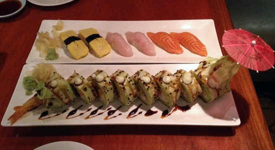 Sushi of Naples: Temptation Roll up front, Nigiri in back.