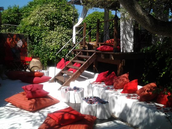 Su Gologone: A quiet area to relax with a drink