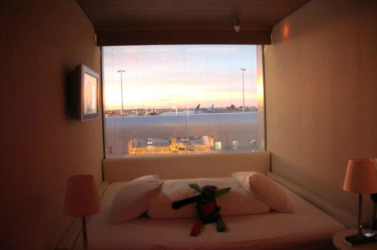 citizenM Schiphol Airport : Airport view