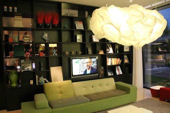 citizenM Schiphol Airport: Lounge