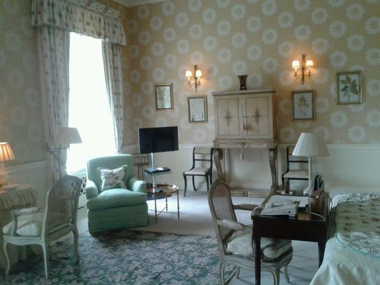 Hartwell House: Grand bedroom!