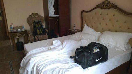 Shangtianran International Hotspring Town: Our villa room