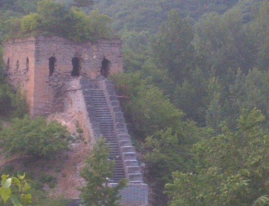 Qingshan Pass Great Wall: 長城にある砦跡