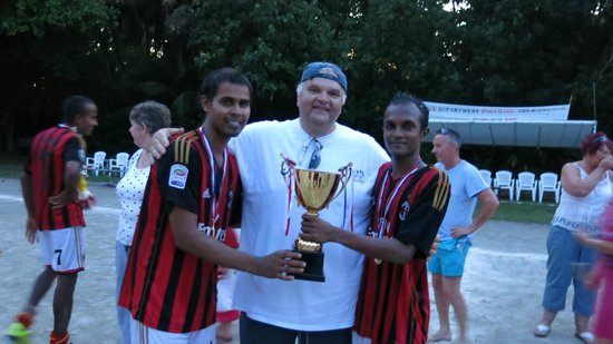 Biyadhoo Island Resort: Supporting our F&B guys who won the cup