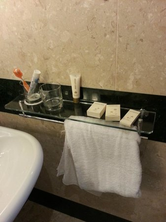 Dusit  Thani Dubai: Only shelf  and towel rack in second bathroom in two bed roomed apartment