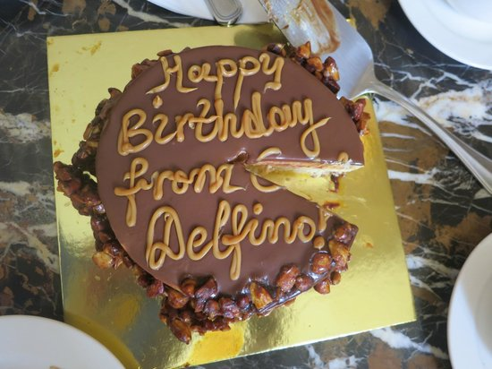 Casa Delfino Hotel & Spa: surprise birthday cake from Casa Delfino!